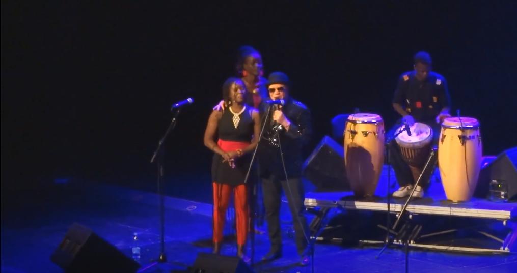 Virginie Dembele en concert avec Salif keita